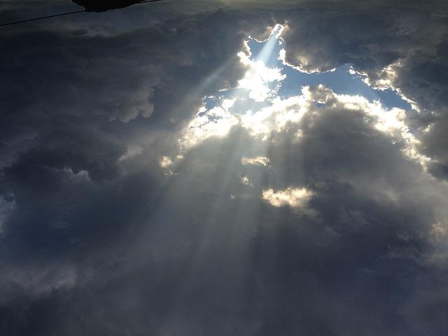 clouds-1735595_640