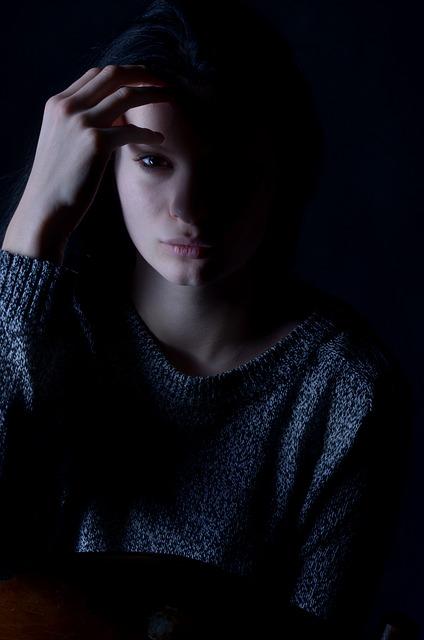 girl-1098610_640